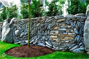 Забор из камня своими руками — каменный забор (+фото)